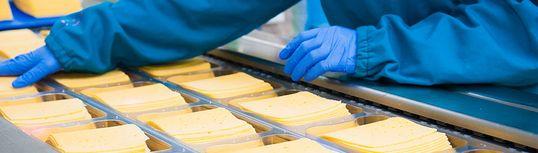Шест експертни решения за продуктова инспекция, етикетиране и кодиране в месната и млечна промишленост